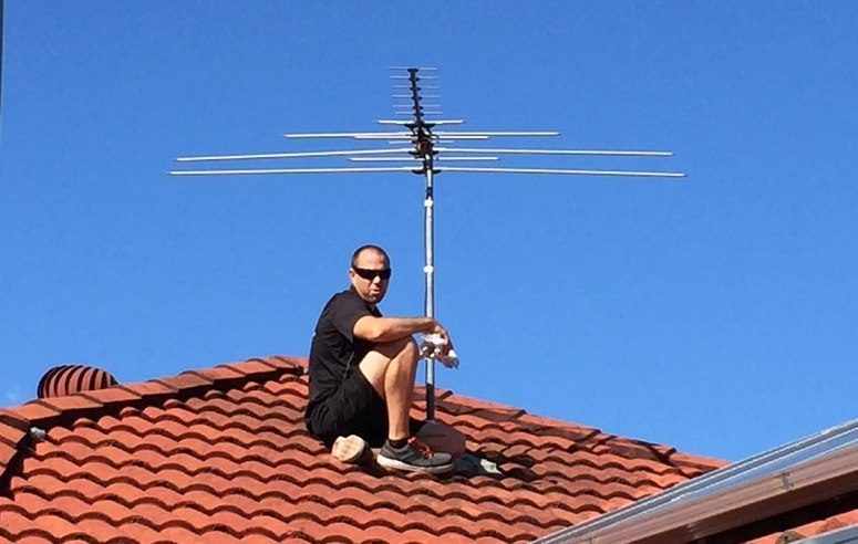 Adjusting TV Antenna