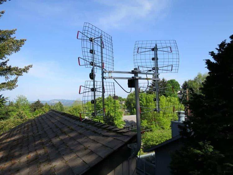 2-Long-Range-TV-Antennas